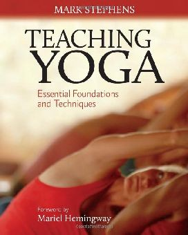 Teaching Yoga: Essential Foundations and Techniques DMGD