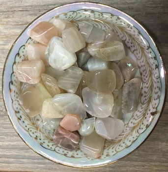 Tumbled Stone (Peach Moonstone)